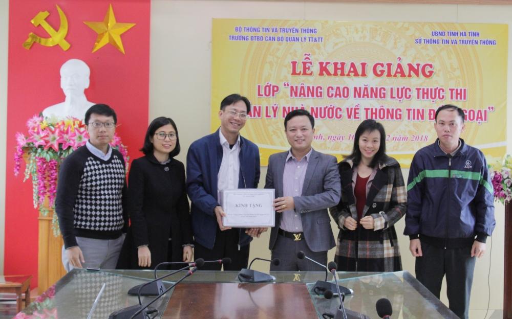 Đoàn công tác của Vụ pháp chế, Bộ Thông tin và Truyền thông làm việc tại Hà Tĩnh
